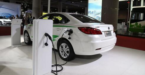 新能源汽车产业进入最严监管期  建立市场调节机制