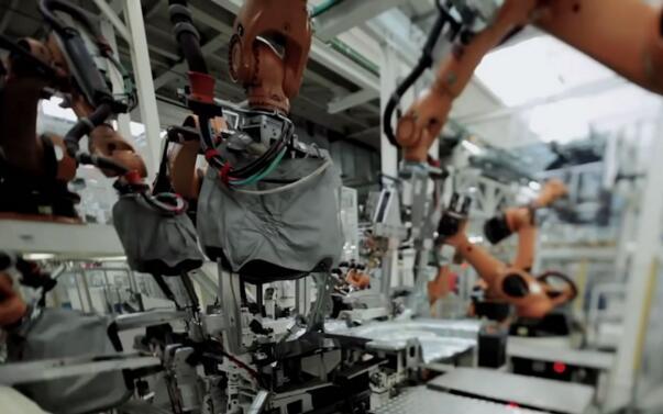 大众汽车、戴姆勒和宝马同意在德国升级逾500万辆柴油车