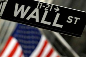 美股周三小幅高开  投资者观望美联储是否会在今年再度加息