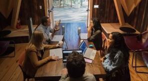 微软(MSFT)树屋开放使用   在室外工作不是痴人说梦