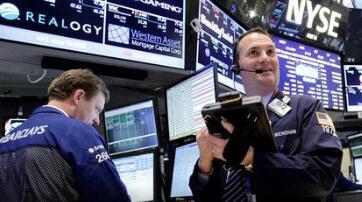 美国新闻:美股连续第三天创新高  中概股普涨