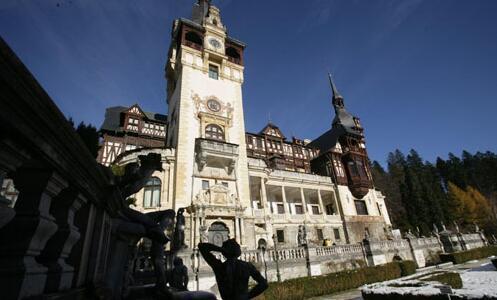 中东欧经济最强劲的罗马尼亚接近宣布十年来的首次加息
