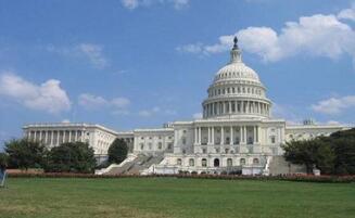 美国白宫:总统行政部门将有1056名工作人员左右处于休假状态