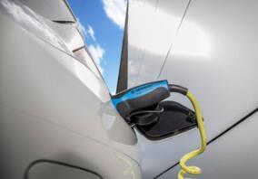 新能源汽车产业政策将在2018年将迎来新的调整