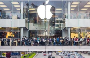 两名香港苹果零售店员工因为iPhone电池爆炸事故被送医救治