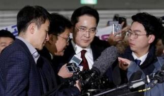 """三星""""太子""""李在镕成功脱险 缓刑四年当庭释放"""