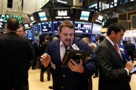"""美国股市周四再次开启""""血洗模式"""":中概股全线下跌"""