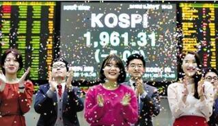日韩股市周一双双高开 日经225指数周一开盘上涨1.1%