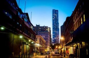 外国投资者正涌入一个不太起眼的板块:美国学生公寓市场