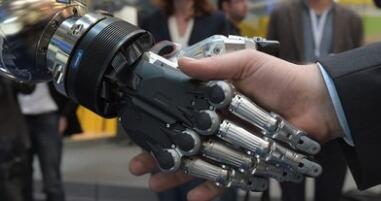 全球科技竞争三大焦点:人工智能 物联网 机器人