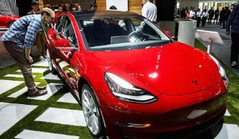 """特斯拉下周接受全轮驱动版和""""性能""""版Model 3电动汽车订单"""