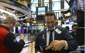 美股:标普500指数收涨12.25点 纳斯达克综合指数收涨52.13点