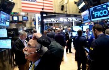 美国三大股指集体高开,小幅回落后继续拉升,道指、标普500再创近期新高