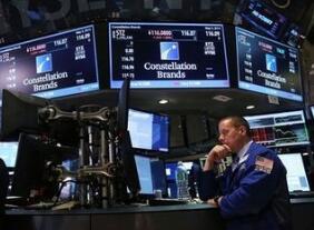 美联储宣布加息 美股尾盘应声跳水 阿里巴巴跌1.18%,网易跌0.87%,京东跌0.53%