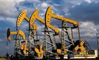 美国原油期货价格周五收高  本周累计下跌0.8% 布伦特原油本周下跌3%