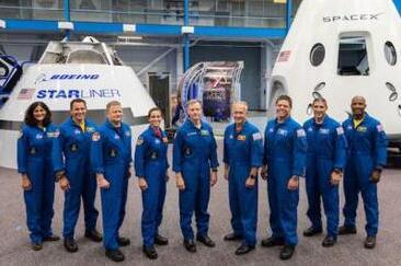 波音和马斯克明年启动商业载人航天首次飞行