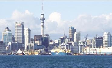 """新西兰的""""外国人购房禁令""""   《海外投资法修正案》旨在降低新西兰烫手的房价"""