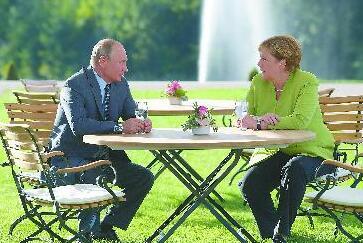 """默克尔与普京在柏林举行会谈  """"德俄启动'危机外交'!"""""""