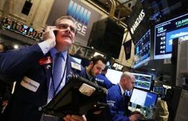 美股:美股在8月份强劲上扬 标普500指数8月份累涨3.02%  纳指8月份上涨将近6%