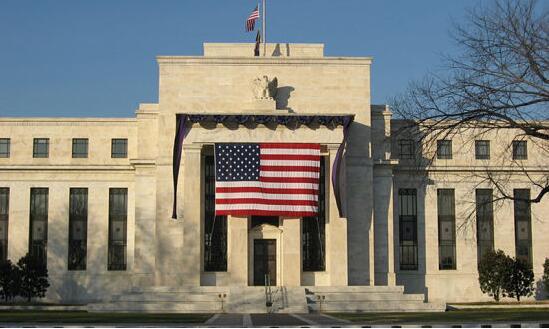 """美联储褐皮书:美国经济以""""温和步伐""""扩张  贸易问题和缺乏工人拖延了项目进程"""