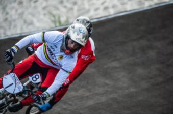 2018千森杯国际自盟小轮车竞速职业一级赛激战敖汉 荷兰人成最大赢家