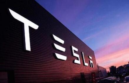"""特斯拉遭遇大规模高层变动,CEO马斯克(Elon Musk)正急着""""灭火"""""""
