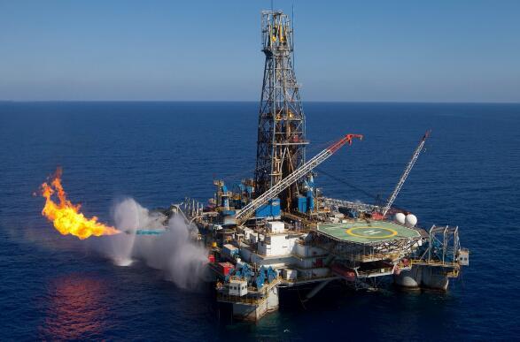 "IEA敦促OPEC""开闸""增产 称石油市场进入危险区域"