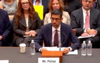 """谷歌CEO解释为何搜索""""白痴""""就会出现特朗普"""