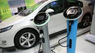 新能源汽车年底现抢购潮 有买家加价购车