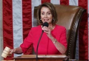 美国众议院议长佩洛西推迟特朗普原定于本月底的国情咨文演讲