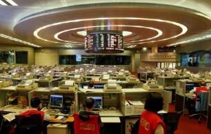 香港恒生指数高开高走,截至发稿涨1.74%  中国石油股份涨超4%