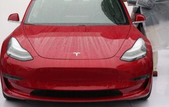 Model 3丧失消费者报告推荐 特斯拉大跌进入熊市
