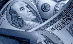 美元徘徊在两周高点附近,澳元下滑,因为经济增长令人失望