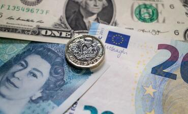 在英国立法者投票拒绝无协议脱欧后英镑上涨