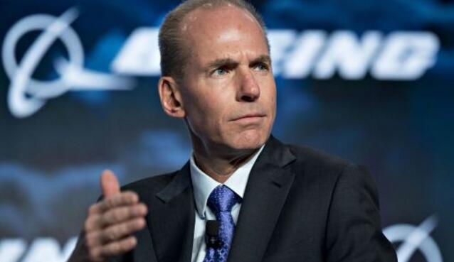 波音公司CEO丹尼斯·穆伦伯格(Dennis Muilenburg)第一次承认,糟糕的数据在波音737 Max飞机坠毁事件中扮演了重要角色