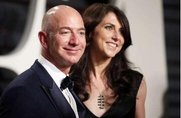 杰夫·贝佐斯(Jeff Bezos)达成离婚协议,保留了75%的夫妻亚马逊股票