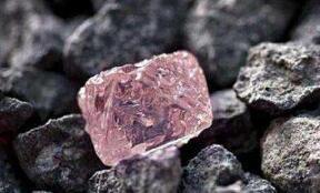 世界三大铁矿石巨头下调产量 业内看好2019年铁矿石价格