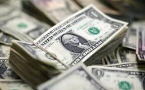 由于强劲的美国数据,美元徘徊在22个月的峰值附近