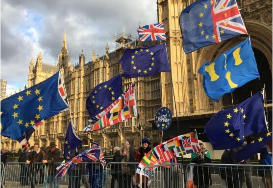 随着经济开始走弱,英国的领导权争夺战拉开序幕