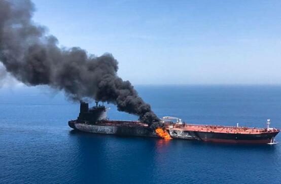 伊朗否认对中东阿曼湾两艘油轮遇袭事件负责