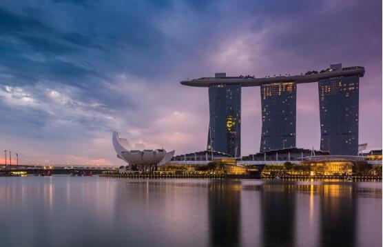 新加坡的GDP严重低于预期,较上一季度萎缩3.4%