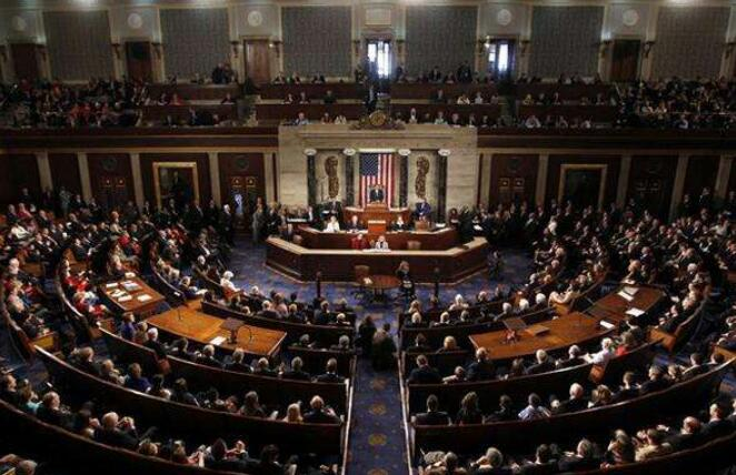 美国国会参议院通过未来两年总额达2.75万亿美元的联邦政府预算案