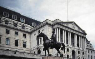 英国央行行长卡尼:负利率不是英国的可行选择