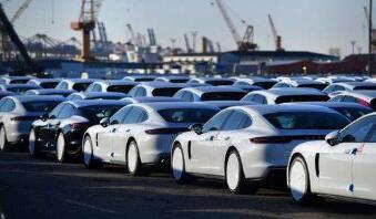 中汽协:1-8月汽车产销同比下降12.1%和11.0%