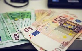 欧洲央行降息后欧元下滑,欧元兑美元汇率周四跌破1.10美元