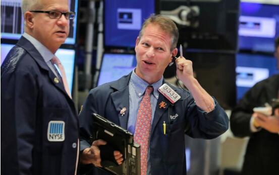 道琼斯指数上涨200点以上,收于27,000点上方,摩根大通(JP Morgan)盈利增长