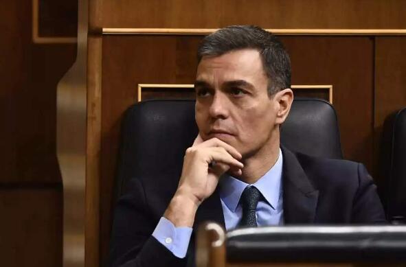 西班牙议会投票批准桑切斯出任首相