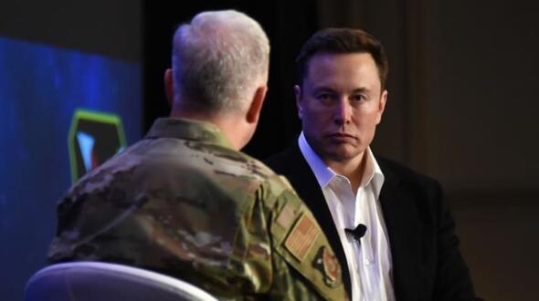 """埃隆·马斯克(Elon Musk):""""战斗机时代已经过去了"""""""
