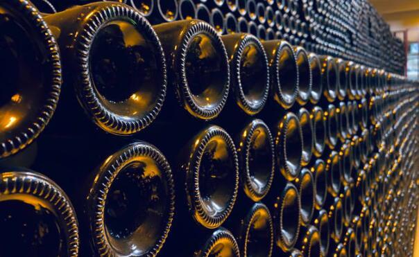 尽管美国征收关税和英国退欧担忧,但法国葡萄酒和烈酒出口在2019年创历史新高