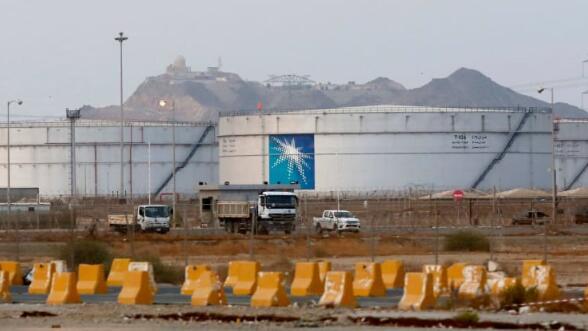 沙特阿美股价首次跌破IPO发行价,在欧佩克交易失败后海湾股市暴跌